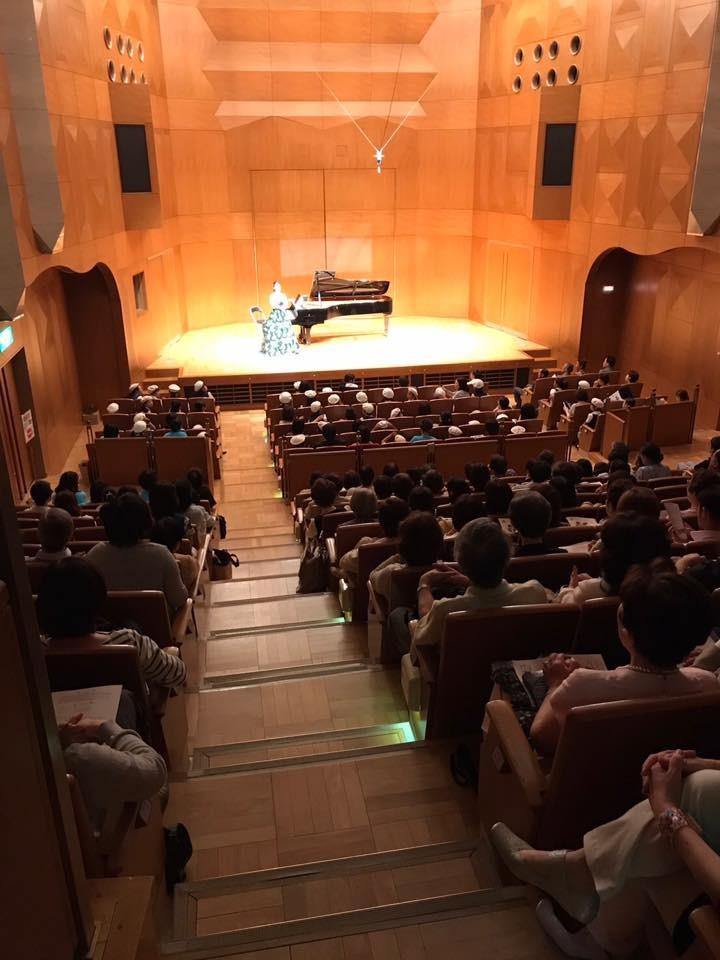 チャリティーコンサート2017 ピアノシューズ展示7